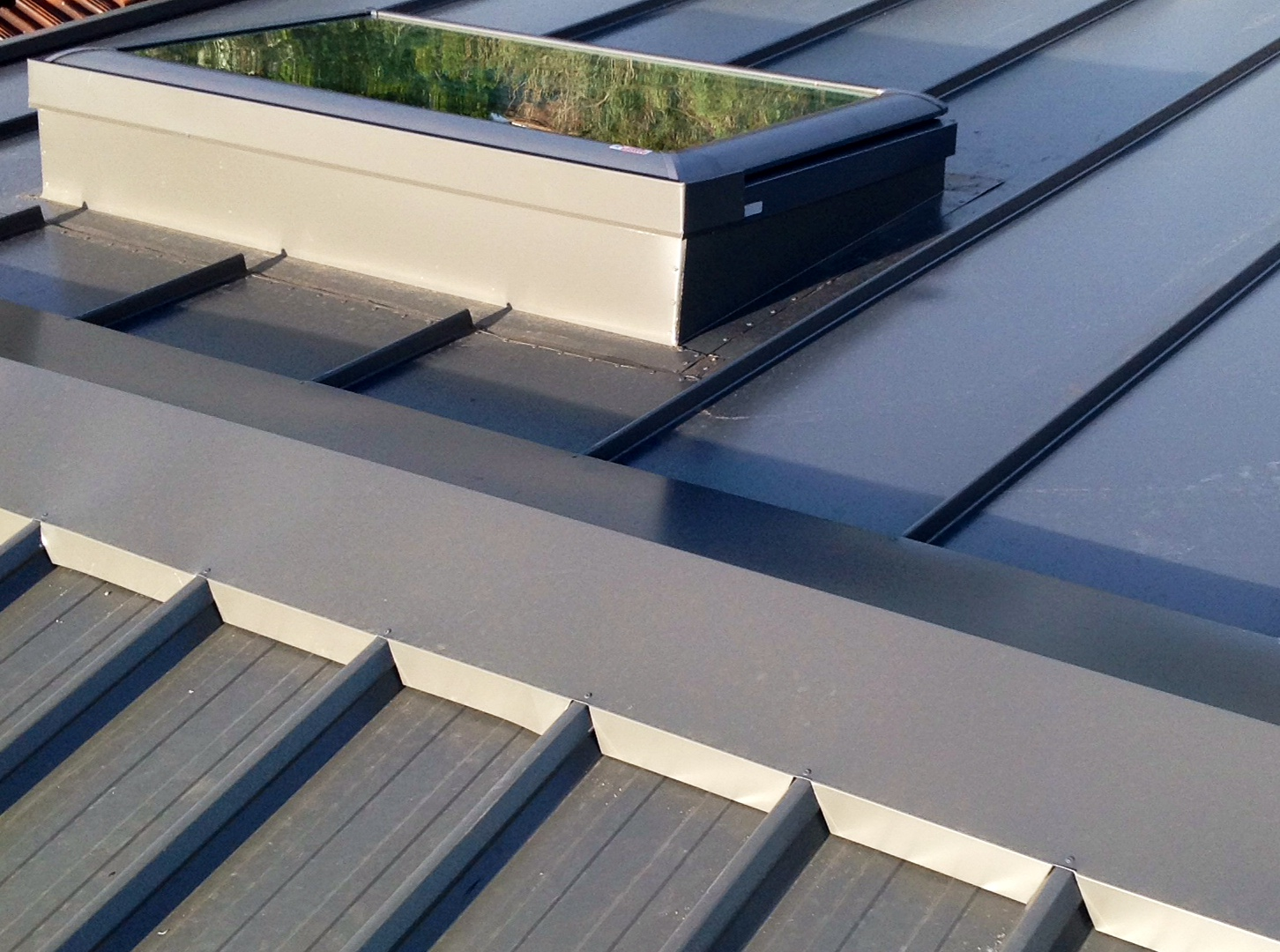 velux skylights melbourne skylight installation tips roofrite melbourne - Metal Roof Flashing
