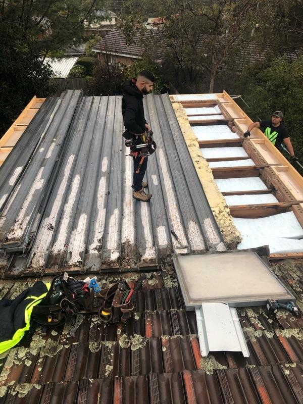 Zinc KlipLok Roof Replacement - Before - Rosanna