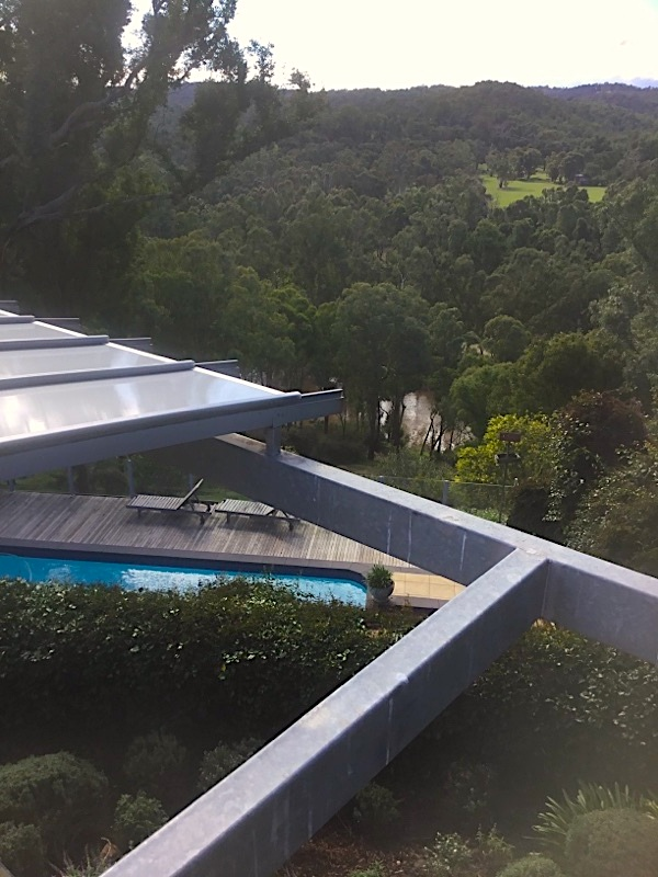 curved_polycarbonate_roofing